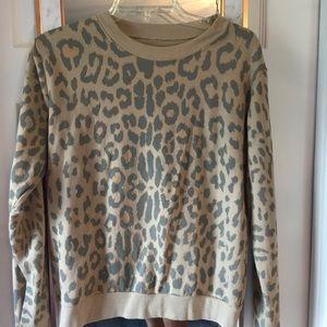 Tops - Leopard print sweatshirt